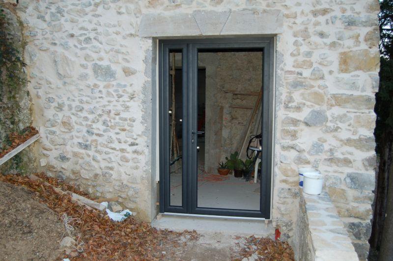Changement De Fenêtre A Poulx Dans Le Gard Artisan Pour Menuiserie